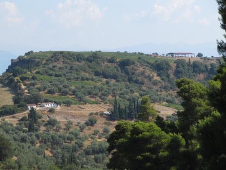 eghion_2012_necropoli_micenea_view_1